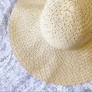 BEACH HAT Straw Gold Sparkle NEW